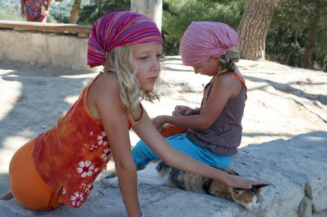 Zdj�cia: Knossos, Kreta, Ladies & cat, GRECJA