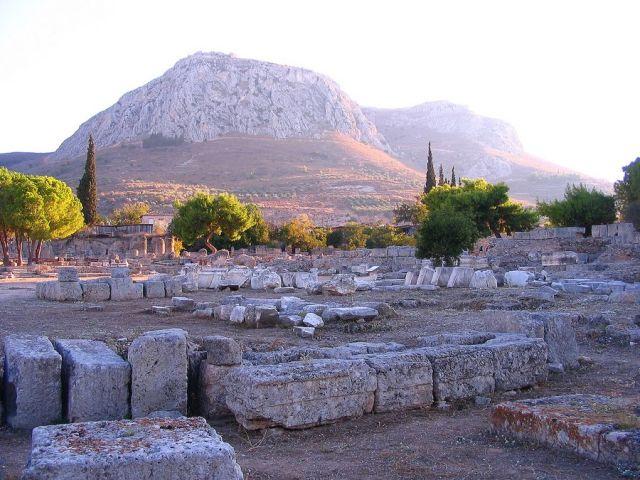 Zdjęcia: Korynt,  Peloponez - Argolida , Akrokorynt  -góra sakralnej prostytucji., GRECJA