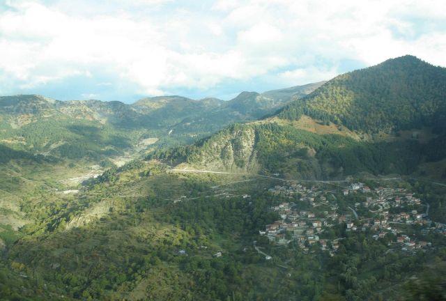 Zdjęcia: Na  trasie  do Tesalii, Epir, Górskie miasteczko, GRECJA