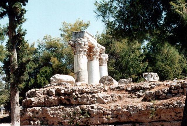 Zdjęcia: KORYNT, Świątynia Oktawii., GRECJA