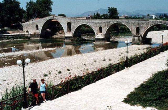 Zdjęcia: ARTA, Most na rzece Arachthos., GRECJA