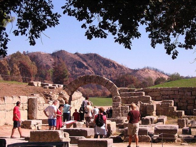 Zdjęcia: Olimpia, Peloponez, Wejście na starozytny stadion olimpijski, GRECJA