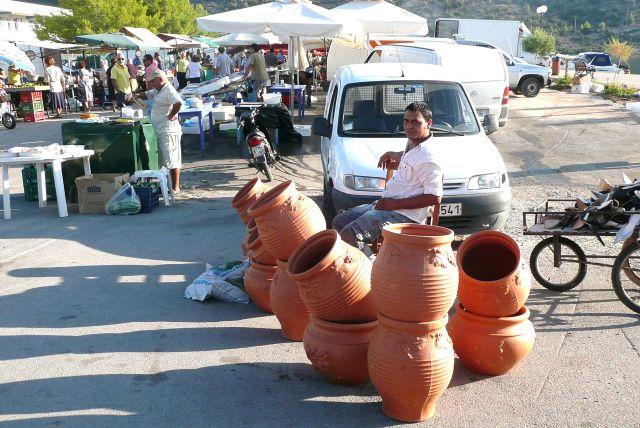 Zdjęcia: Spetses - rynek, Peloponez, Dzbany ze Spetses, GRECJA
