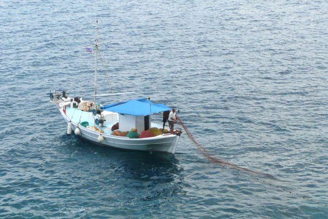 Zdjęcia: łowisko, Morze Egejskie, Stawianie sieci, GRECJA
