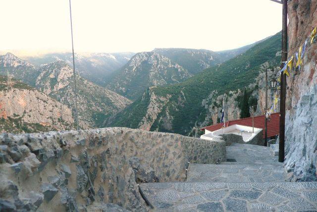 Zdjęcia: Leonidion, Peloponez, Droga do monastyru Leonidion 3, GRECJA