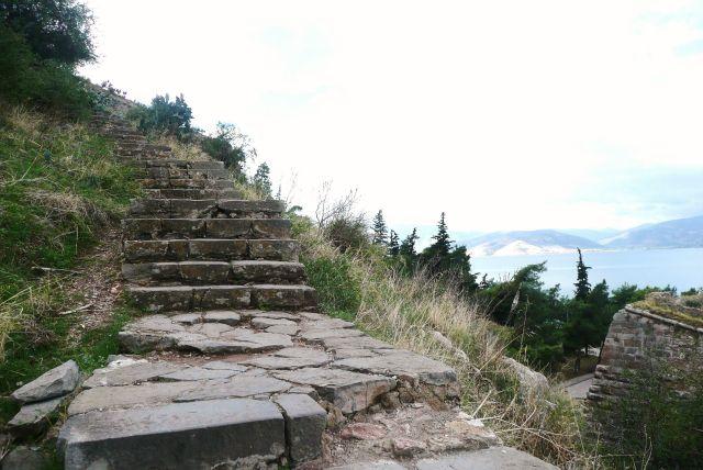 Zdjęcia: Navplio, Peloponez, Schody na bastion 2, GRECJA