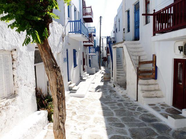 Zdjęcia: Mikonos , Mikonos, Typowa uliczka na wyspie, GRECJA