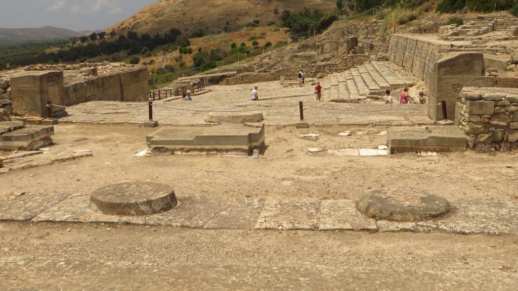 Zdjęcia: Fajstos, Kreta, widok na teatr i Wielkie Schody, GRECJA