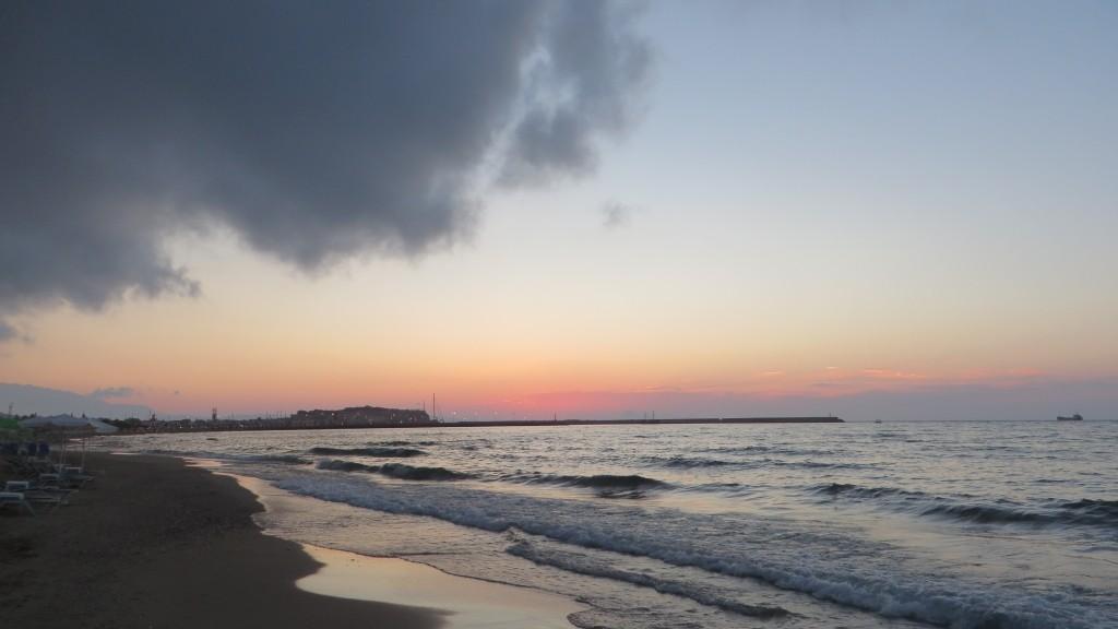 Zdjęcia: Rethimnon, Kreta, plaża o zachodzie, GRECJA