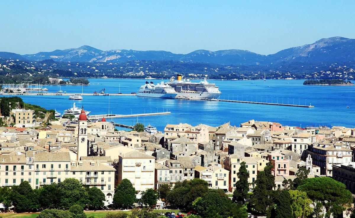 Zdjęcia: Stara Forteca , Korfu, Podglądanie portu, GRECJA