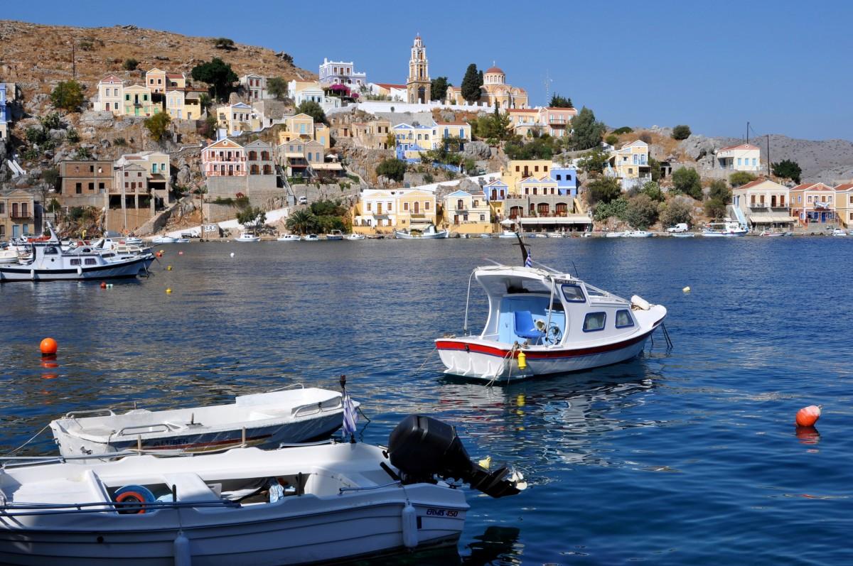 Zdjęcia: Wyspa Symi, Dodekanez, W porcie, GRECJA