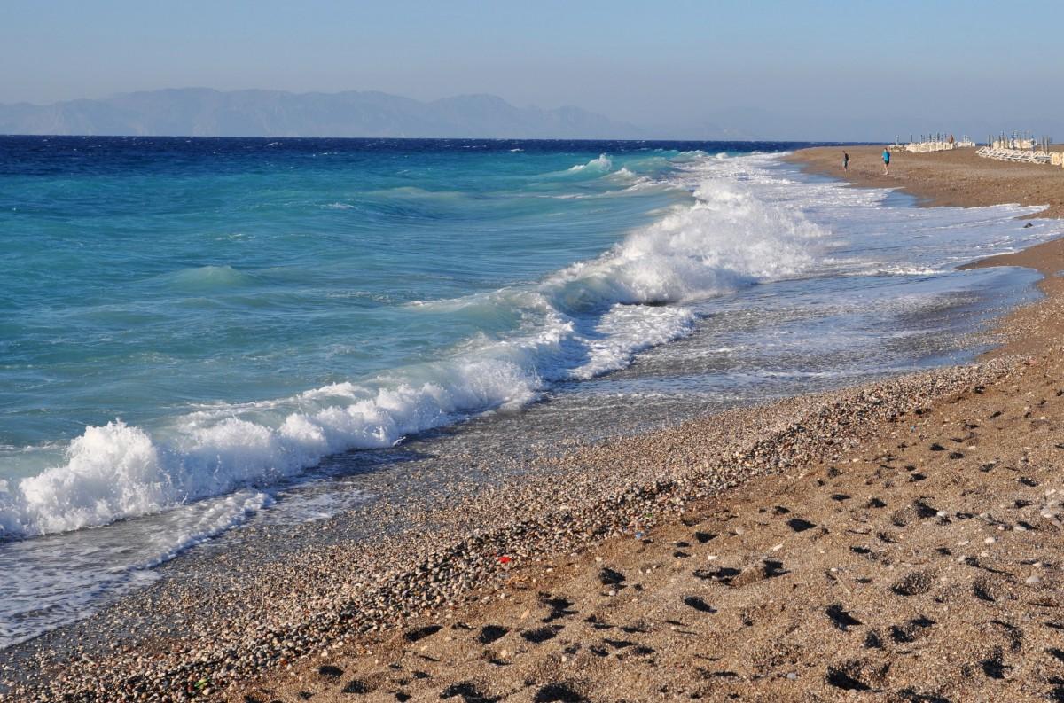 Zdjęcia: okolice miasta Rodos, Rodos, Idąc brzegiem morza, GRECJA