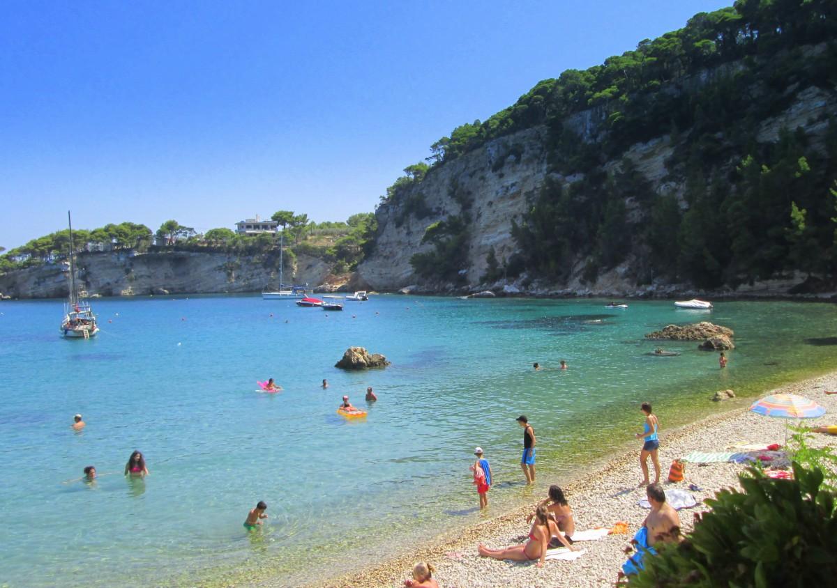 Zdjęcia: Patitiri, Sporady Północne, Kamienista plaża, GRECJA