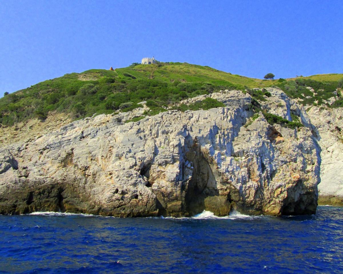 Zdjęcia: okolice wyspy Skiathos , Sporady Północne, Zamek śpiącej Greczynki?, GRECJA