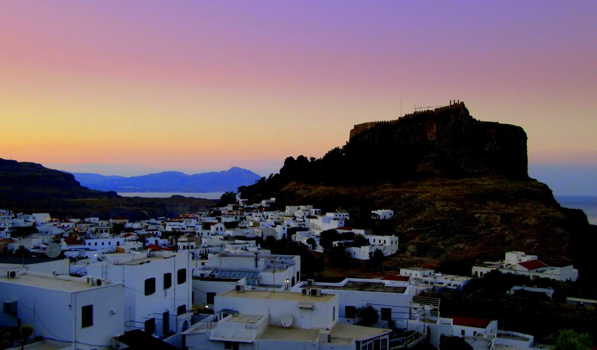 Zdjęcia: Lindos, Rodos, Lindos przed nocą, GRECJA