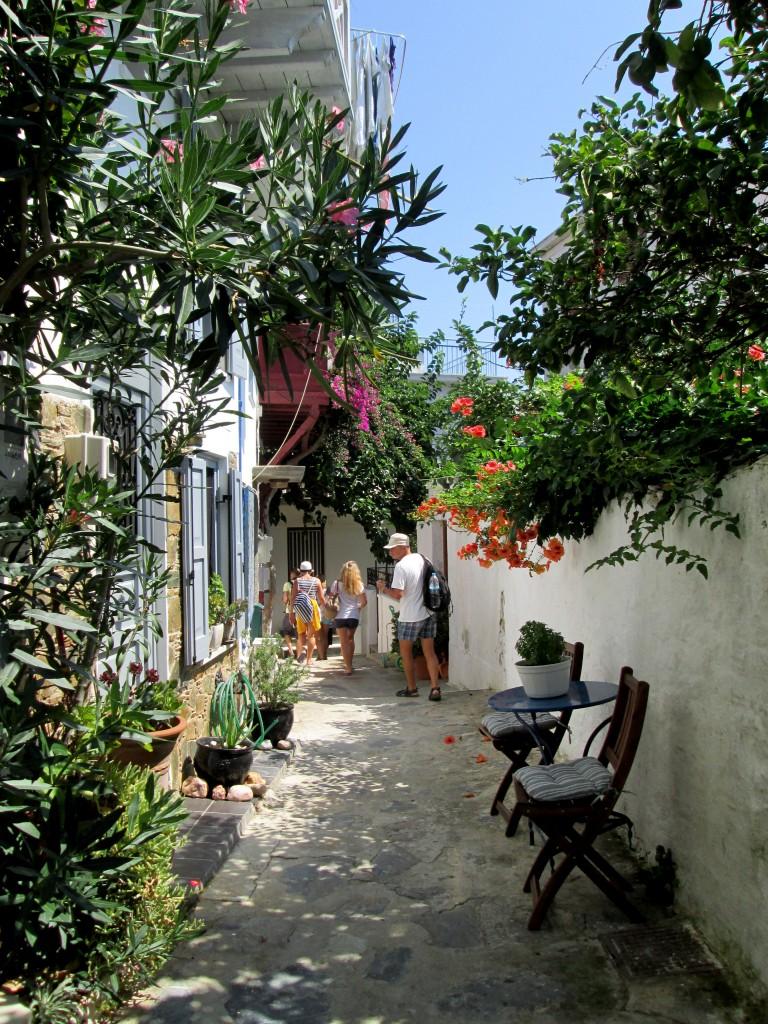 Zdjęcia: Skopelos, Sporady Północne, Wąskie przejścia, GRECJA