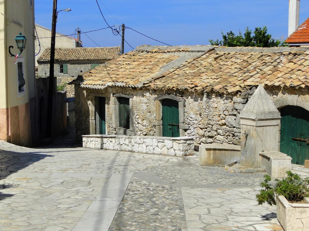 Zdjęcia: Korfu, Wyspy Jońskie, Gdzieś w górskiej wiosce., GRECJA