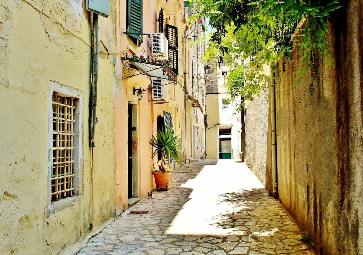 Zdjęcia: Korfu, Wyspy Jońskie, Uliczka w Korfu, GRECJA