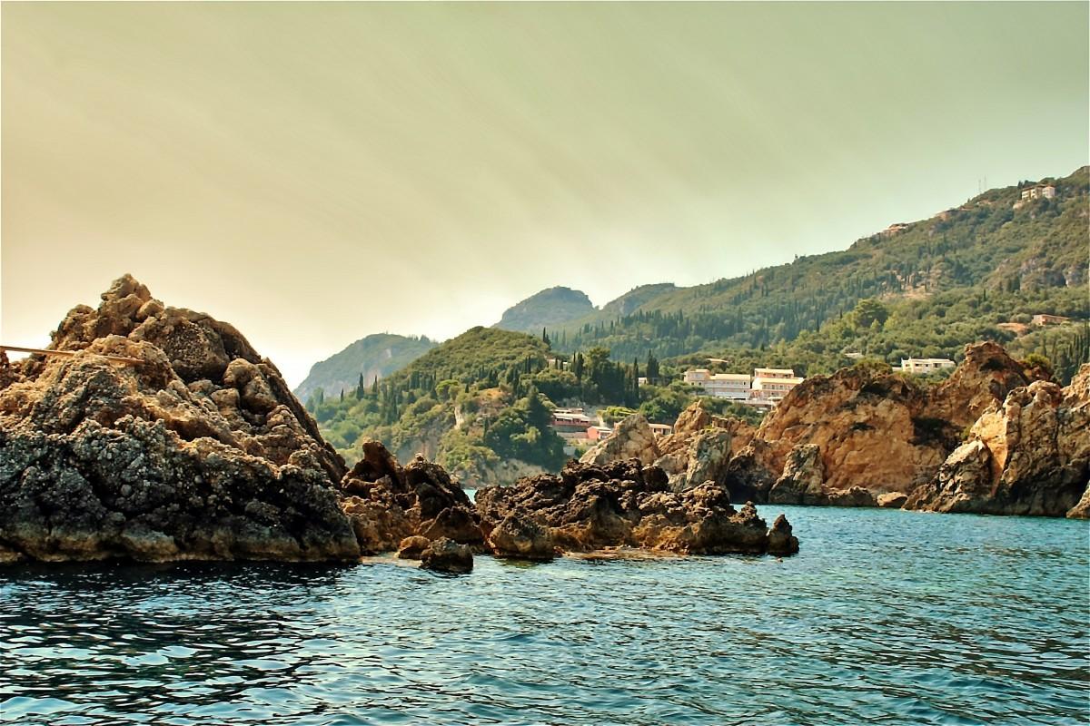 Zdjęcia: Paleokastritsa, Korfu, Zatoka Paleokastritsa-pocztówkowo, GRECJA
