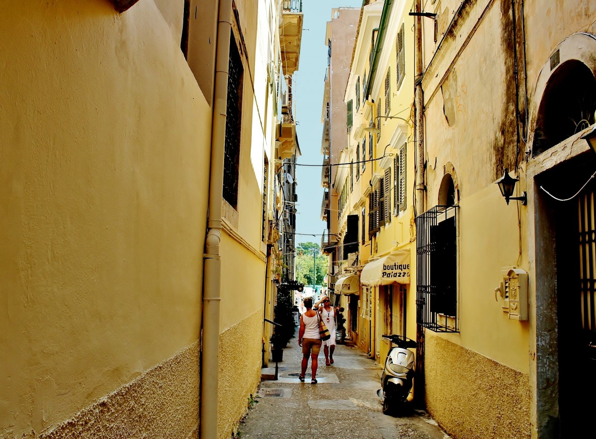 Zdjęcia: Korfu, Wyspy Jońskie, Wąsko, ale przyjemnie, GRECJA