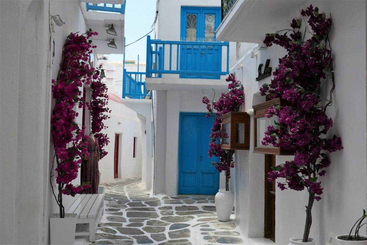 Zdjęcia: Mykonos, Cyklady, Białe domy i niebieska stolarka typowe dla Cykladów, GRECJA