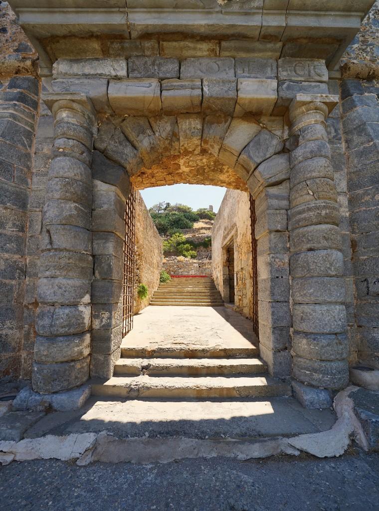 Zdjęcia: Spinalonga, wyspa trędowatych, Kreta, Brama, GRECJA
