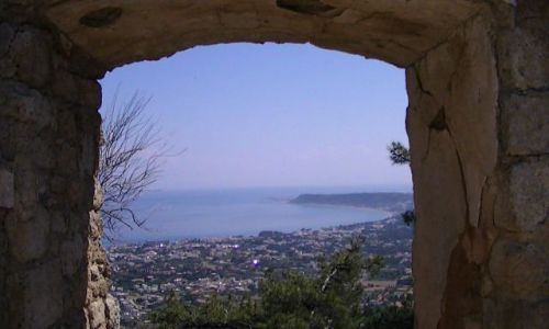 GRECJA / Rodos / okolice miasta Rodos / okno na ...