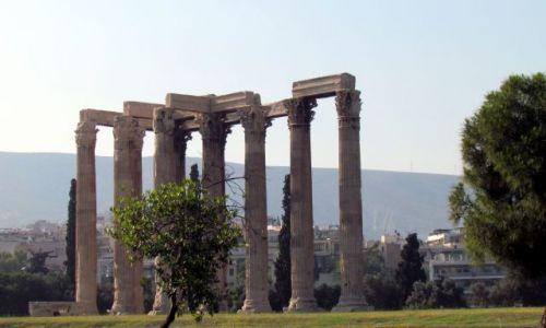 GRECJA / Ateny / Ateny / Ruiny św.  Zeusa