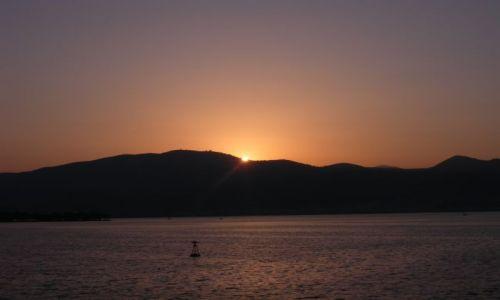 GRECJA / przeprawa z Korfu / przeprawa z Korfu / słońce wschodzi