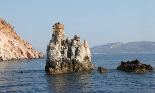 Zdjęcie GRECJA / Cyklady  / u wybrzeży Milos / Skały