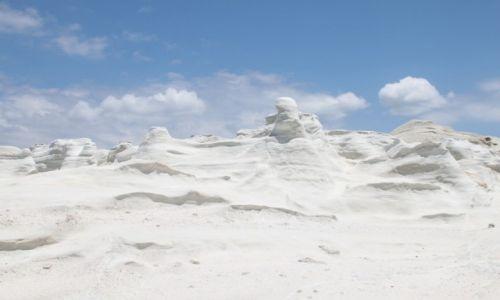 Zdjęcie GRECJA / Cyklady Milos / Sarakiniko / Śnieg w środku lata?