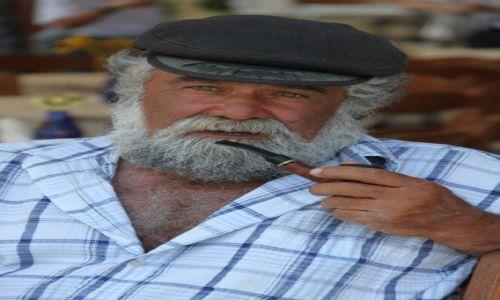 Zdjecie GRECJA / Cyklady / Milos / Stary człowiek i morze...