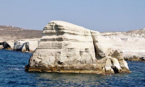 Zdjęcie GRECJA / Cyklady Milos / Sarakiniko / I znowu skałka