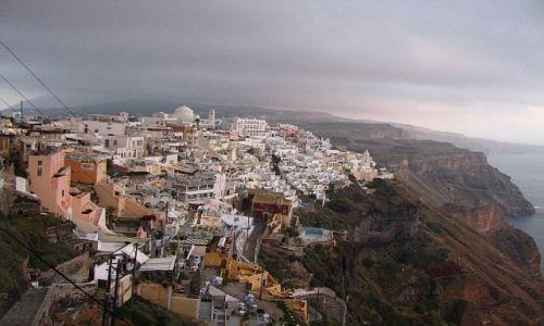 GRECJA / Cyklady / Santorini  / widok na Thirę (Firę)