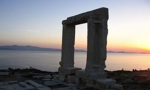 GRECJA / Cyklady / Naksos / zachód słońca