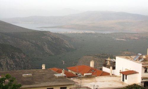 GRECJA / Fokida / Delfy / widok na zatokę Koryncką o zmierzchu