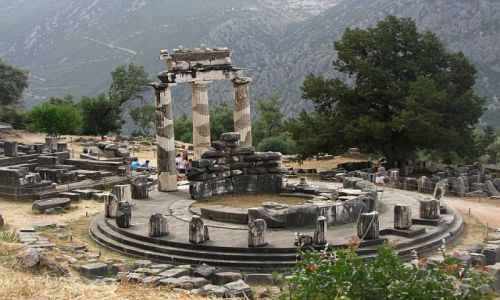 GRECJA / Fokida / Delfy / sanktuarium Ateny Pronaja
