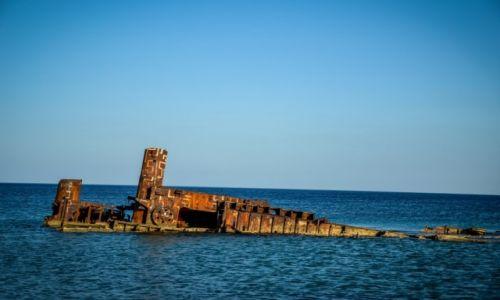 GRECJA / Saloniki / Epanomi / wrak statku