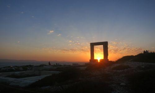 GRECJA / Naxos / Naxos / Podróż Słońca