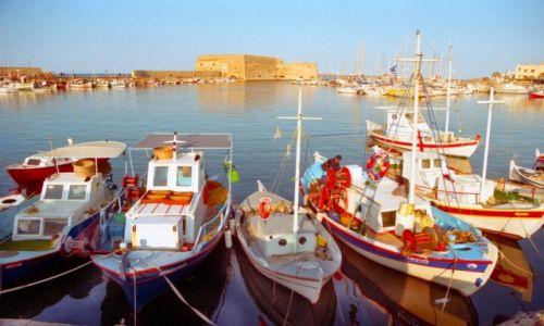 Zdjęcie GRECJA / Kreta / Heraklion / Świt  w porcie Heraklion