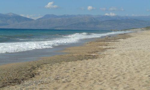 Zdjecie GRECJA / Acharavi / plaża / z Albanią w tle