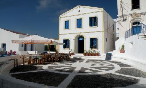 Zdjecie GRECJA / Dodekanez / Wyspa Nisyros / Biały domek