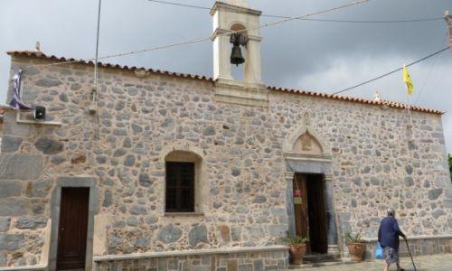 Zdjęcie GRECJA / Kreta / Mochos / wiejski kościółek