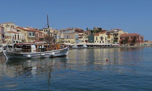 GRECJA / Kreta / Chania / port wenecki o poranku