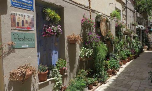 Zdjęcie GRECJA / Kreta / Heraklion / uliczka na starym mieście