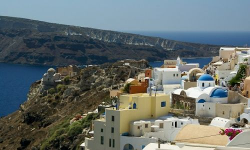 Zdjęcie GRECJA / Santorini / Oia / Widok na fortecę i miasto
