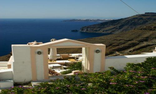 Zdjęcie GRECJA / Santorini / Thira / Brama na obiad z widokiem