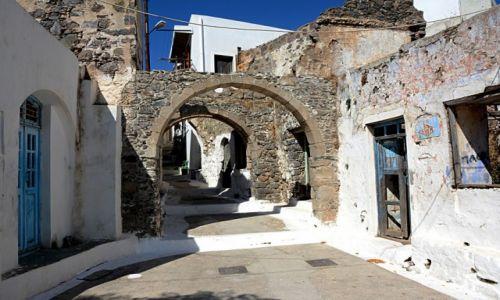 Zdjecie GRECJA / Nisyros / Emporio / główna uliczka