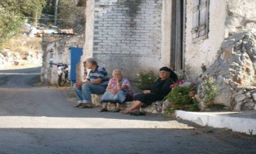 Zdjecie GRECJA / Kreta / jakaś nieznana wioska  / dziadkowie
