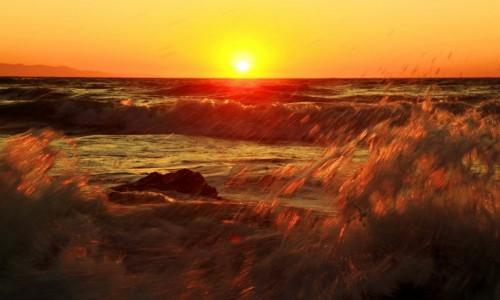 Zdjęcie GRECJA / Korfu / Logas Beach / Słoneczko na fali